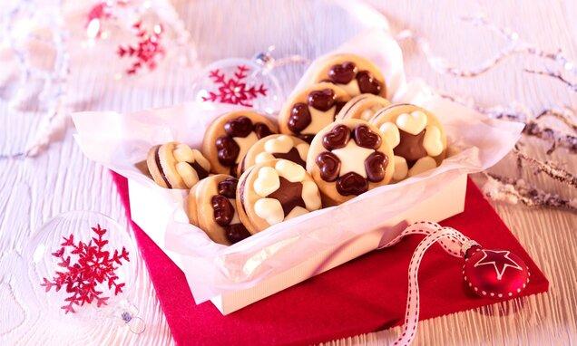 Zvjezdasti keksi s čokoladnim ukrasima